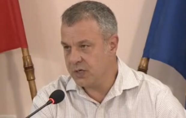 Генералният директор на Българската национална телевизия Емил Кошлуков трябва да