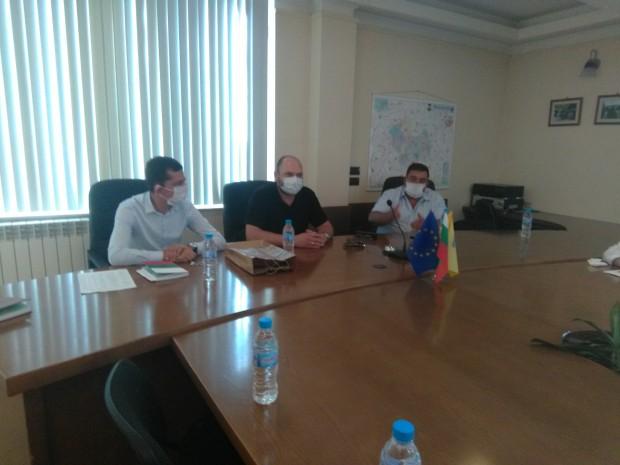 Народният представител от ПГ на ГЕРБ и административен секретар на