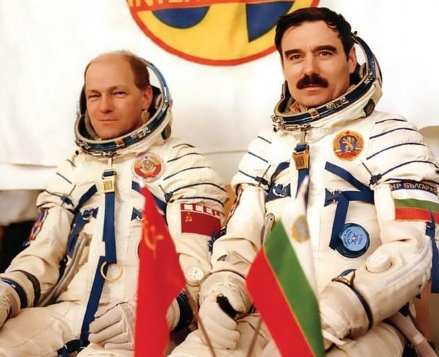 На 2 юли първият български космонавт Георги Иванов става на