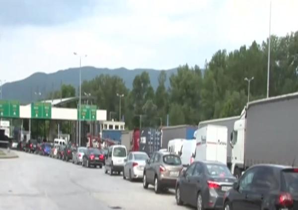 Oтново опашка на границата ни с Гърция. Тя обаче не