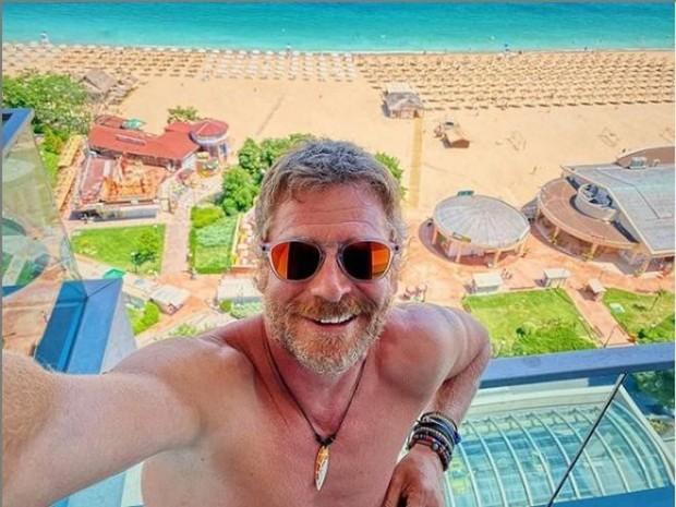 ИнстаграмЮлиан Вергов, който днес празнува своя петдесети рожден ден, показа