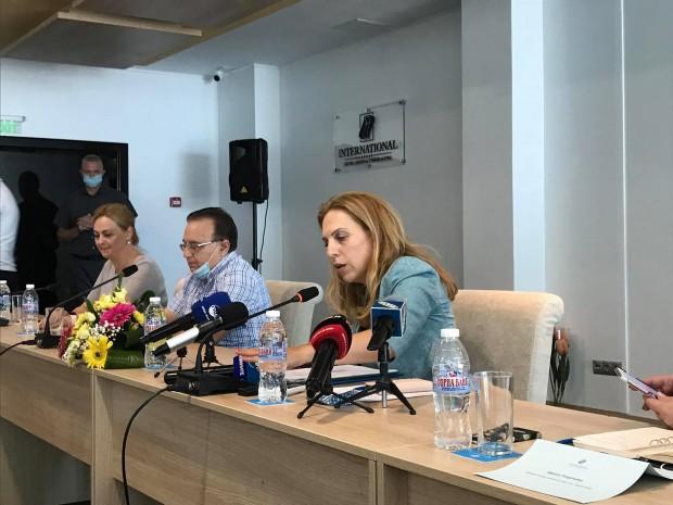 Щерев коментира, че анулациите на резервациите продължават предвид данните, които