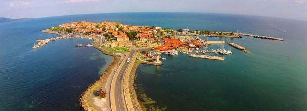 Plovdiv24.bgЖители и гости на Несебър излизат на протест срещукарантинен хотел