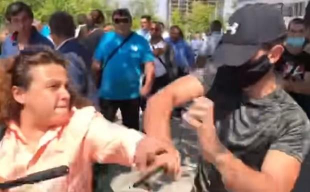 Биячът от конференцията на ГЕРБ се е предал на полицията