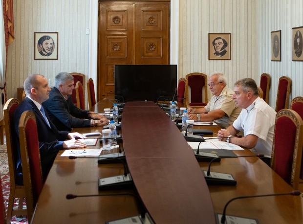 Държавният глава и върховен главнокомандващ на Въоръжените сили Румен Радев