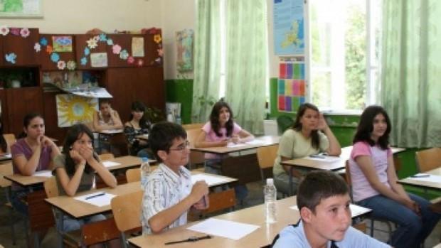 Министърът на труда и социалната политика Деница Сачева обсъди с