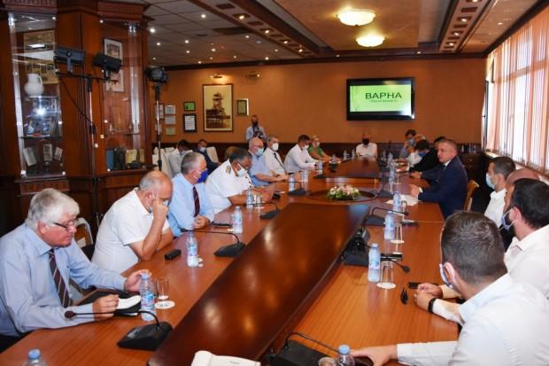 Меморандум за сътрудничество с университети и водещи компании за реализиране
