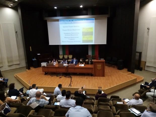 Проф. д-р Красимир Иванов и Мариус Донкин са новите почетни