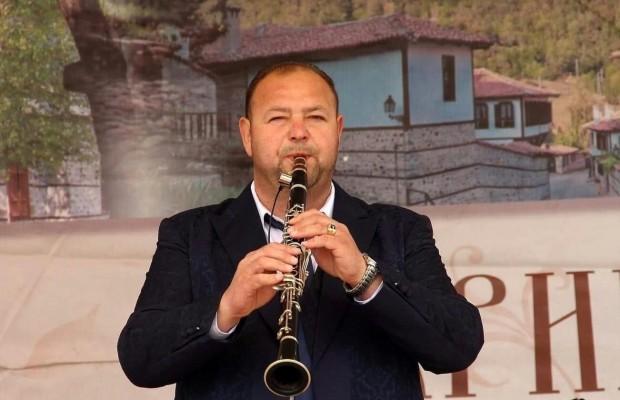 """Изпълнителите на музикална компания """"Пайнер"""